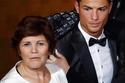 كريستيانو مع والدته