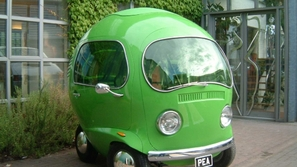 تصميم غريب لسيارة فولكس تشبه حبة البازلاء.. هذه قصتها