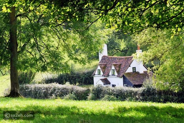 قصور الريف التاريخية في إنجلترا بين الحاضر والماضي