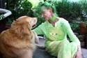 السيدة الكندية Elizabeth Eaton ذات ال 75 عاماًترتدي كل ما هو اخضر1