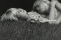 رسمة الأطفال نائمون بالقلم الرصاص