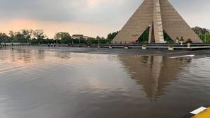 القاهرة تغرق في