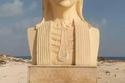 تمثال كليوباترا الذي ظهر أقرب إلى الشحرورة صباح