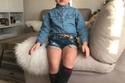 صور طفلة من أب ألباني وأم إيطالية أصبحت موديل بسبب جاذبيتها 2