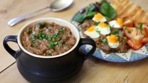 هل تعلم ما هي الأكلة التي يتناولها المصريون يومياً على الإفطار منذ عهد الفراعنة، وصنعوا منها 10 أصناف مختلفة؟