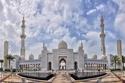 1- مسجد الشيخ زايد بن سلطان آل نهيان