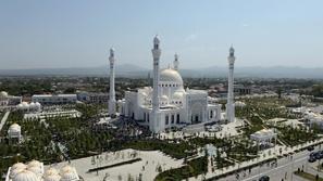 صور: أكبر مسجد للمسلمين في العالم تحفة معمارية تحمل اسم النبي محمد