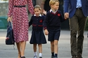 الأميرة شارلوت في الزي المدرسي لأول مرة