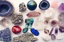 أنواع الأحجار الكريمة التي تجلب الحظ وفقاً لبرجك