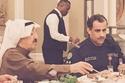 الشيخ صباح الأحمد خلال تناول الطعام