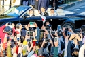 الإمبراطور الياباني ناروهيتو والإمبراطورة ماساكو خلال العرض الملكي