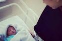 هدير مكاوي مع ابنها أدم