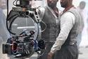 أدريس ألبا مع الممثل البديل له في كواليس The Dark Tower