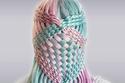 صور: مراهقة عمرها 17 عاماً فقط تصنع تسريحات شعر معقدة وخيالية