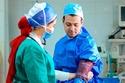 صور خطوبة في غرفة العمليات