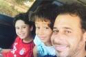 أحمد السعدني مع أولاده