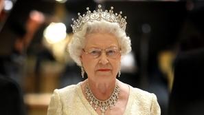تعرف على الشخص الوحيد الذي سمحت له الملكة إليزابيث بمناداتها باسمها !