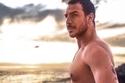 أوسم الرجال العرب على البحر: صور بعضها جريء والآخر مضحك