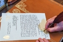 رسائل بخط يد المشاهير تكشف لكم الكثير من أسرارهم: من صاحب الخط الأجمل؟