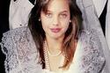 بالصور حقائق تعرفها لأول مرة عن النجمة العالمية أنجلينا جولي...طفولة محزنة وانتحار ونجومية وسرطان وإنسانية!