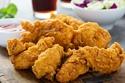 صور: تصرفات عادية قد تؤدي بك إلى السجن في أمريكا.. أغربها تناول الدجاج