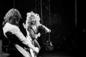 مع الفرقة في يونيونديل، نيويورك في عام 1975