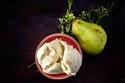 الحمل - آيس كريم الكمثرى مع الجبن الأزرق