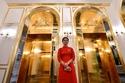 صور أول فندق في العالم من الذهب الخالص: هذه تكلفة الإقامة به