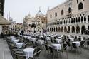 إيطاليا بالكامل تخضع للحجر الصحي