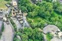 صور: في هذه القرية الأثرية ينام السكان على الصخور الملساء