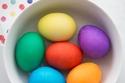 1 كوب قشر بصل أصفر لكل كوب ماء للحصول على البيض الأصفر.