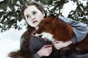 مصورة روسية تلتقط أجمل الصور مع ثعلبٍ أحمر وفتاة صهباء
