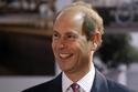 الأمير إدوارد الابن الأصغر للملكة إليزابيث عمل في شركة للإنتاج المسرحي