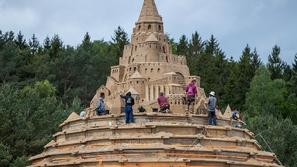 صور: أعلى قلعة رملية في العالم تدخل جينيس.. بنيت في 10 أيام فقط!