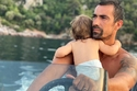 إبراهيم تشيليكول مع ابنه
