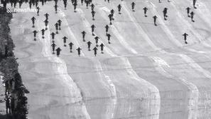 فيديو وصور: سباق دراجات في جبل الجحيم يتحول لأكبر حادث تصادم جماعي!