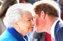 الملكة أول من يعرف