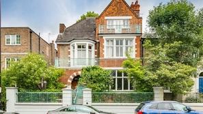 صور: سعره 7 أضعاف أي منزل آخر في إنجلترا.. فما سر هذا المنزل العتيق؟