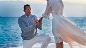 ركعوا أمام الحب: طرق رومانسية لطلب الزواج على طريقة نجوم هوليوود