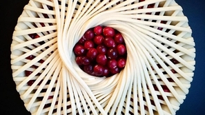 صور طاهية فنانة تطبخ فطائرها بطرقٍ هندسية بحتة