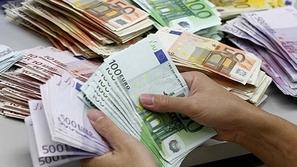 تاجر مخدرات يستعين بحائط وهمي: خبأ 15 مليون يورو بها