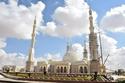 """بنقوش فاطمية وطراز إسلامي.. """"الفتاح العليم"""" المسجد الأضخم في مصر"""