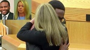 موقف إنساني مؤثر لشاب يعفو عن قاتلة أخيه ويعانقها داخل المحكمة