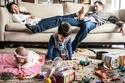 صور مضحكة.. شاهد معاناة الآباء اليومية في تربية الأطفال