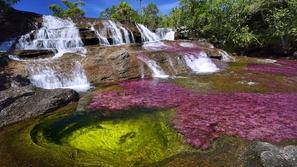 صور تنقلك إلى عالم آخر.. أجمل الأنهار في العالم هل شاهدت نهر الألوان؟