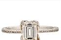 برج الحمل - خاتم كبير ذو ألماسة مربعة وجريئة