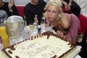 باريس هيلتون أقامت 5 حفلات لعيد ميلادها الـ21