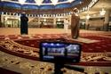 الصلاة عبر تقنية الفيديو في العاصمة الماليزية كوالالمبور