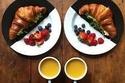 شاب يحضّر الفطور لزوجته كل صباح بشكل مختلف 1