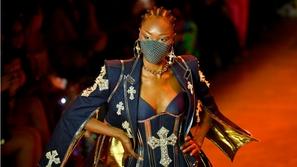 صور: شبح كورونا يطل على أسبوع الموضة في لندن